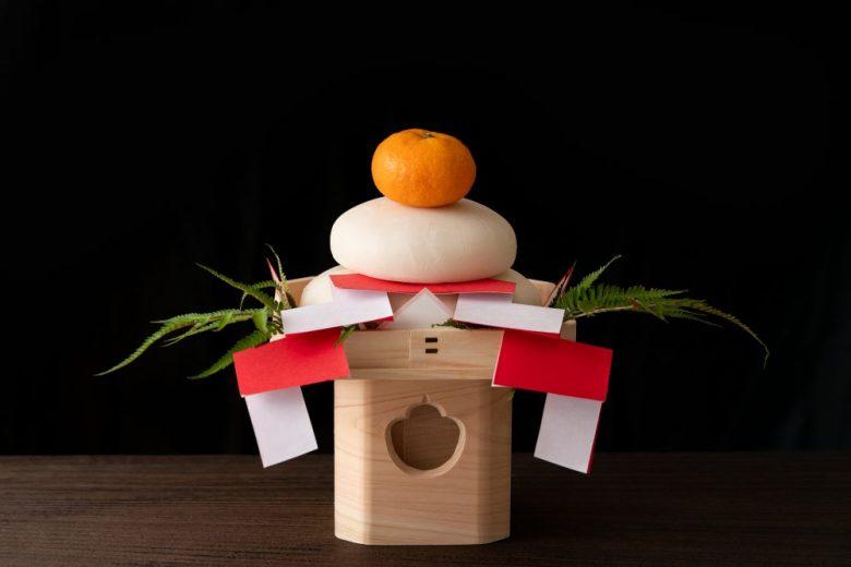h2-6 お正月の鏡餅は仏壇にも飾ります