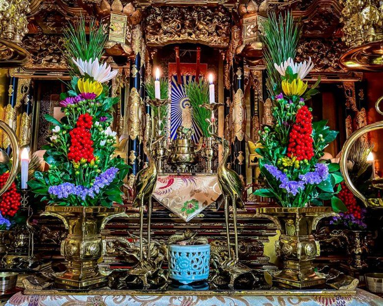 h2-7 浄土真宗の仏壇での正月飾り