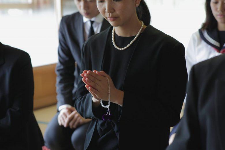 h2-4 仏壇の本尊への「魂入れ」当日の服装にも気配りを